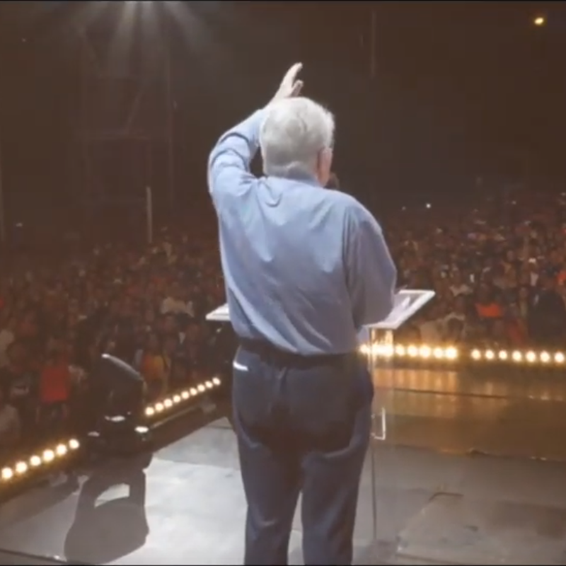 Luis Palau preaching in Madrid, Spain